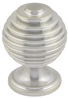 Beehive knob in brushed nickel