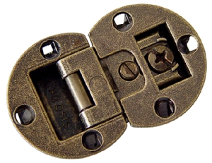 Countersunk flap hinge