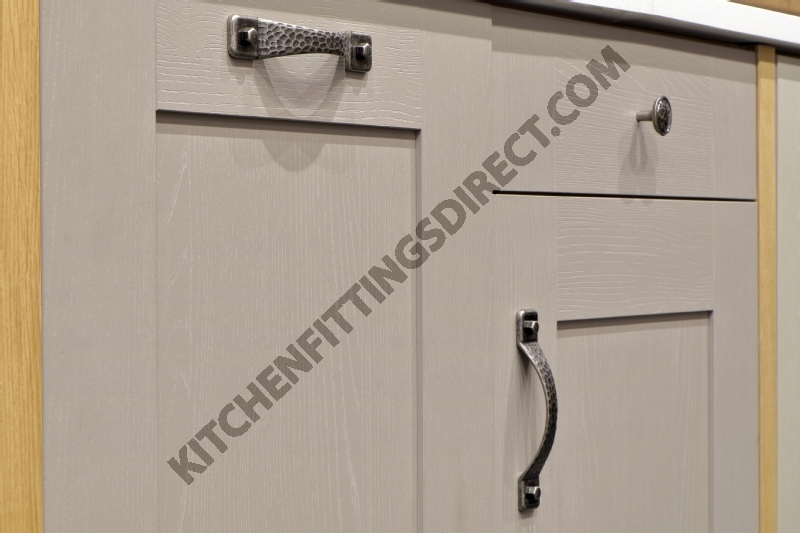 shaker kitchen -handles
